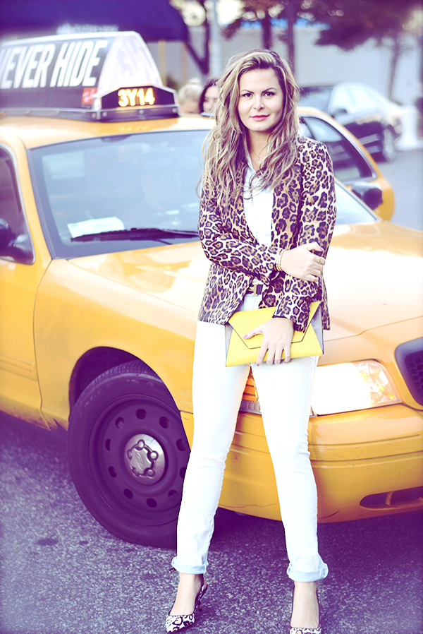 nyc look with Double denim and animal print
