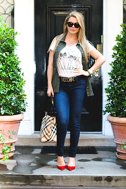skinny jeans with military vest and heels