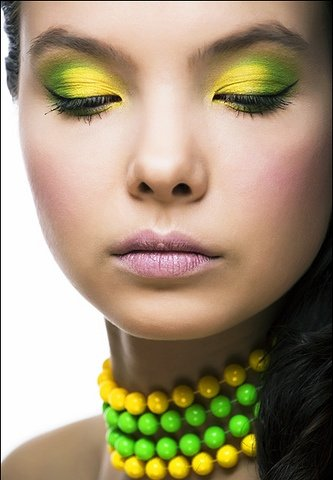 yellow-makeup-ideas-2011-3