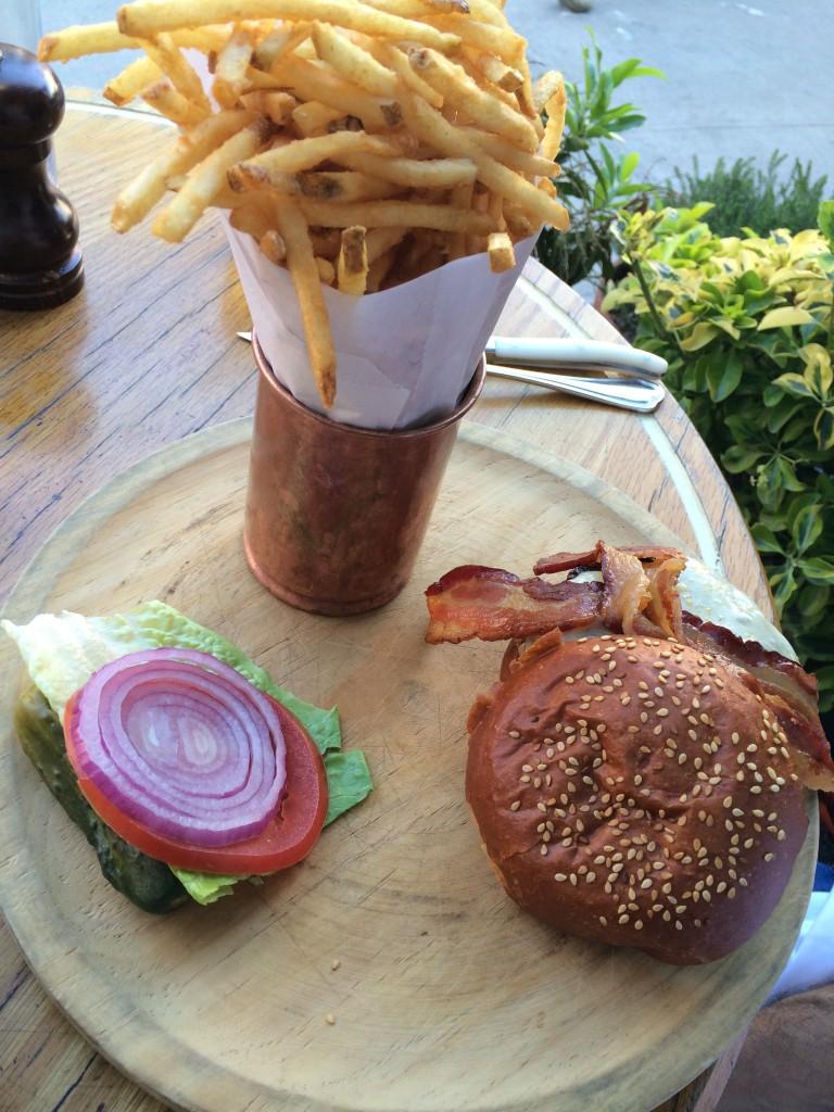 Standard grill hamburger