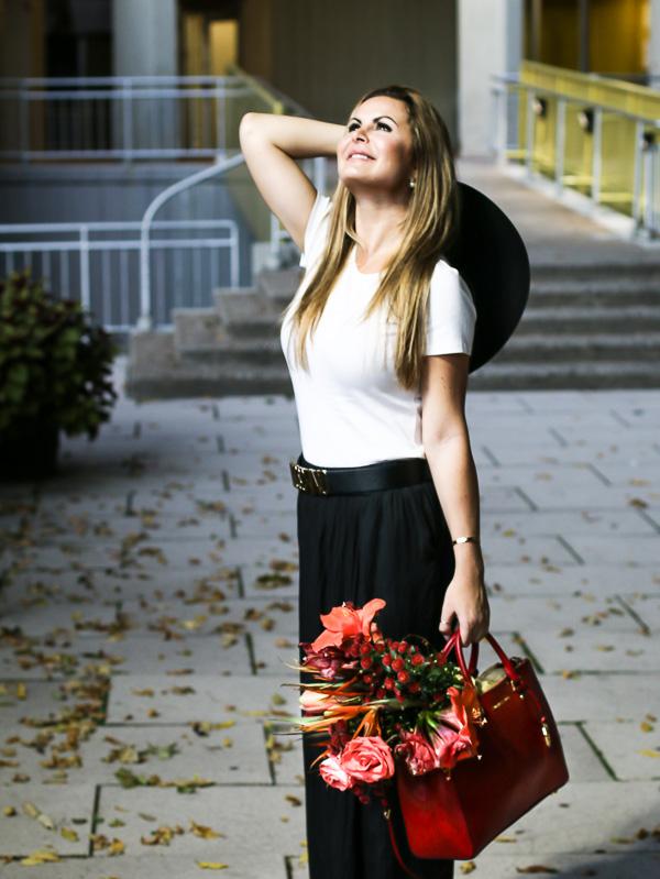 black-white-hat-flowers-9