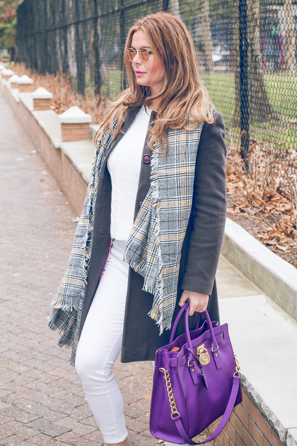 allwhite_balcket_purplebag-6