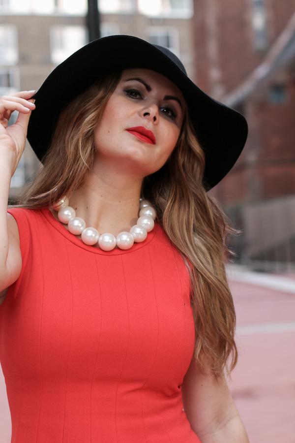 reddress-hat-pearl-mairani-4