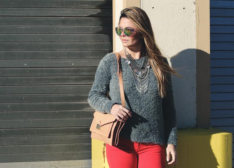 redpants-greysweater-f21shades-18