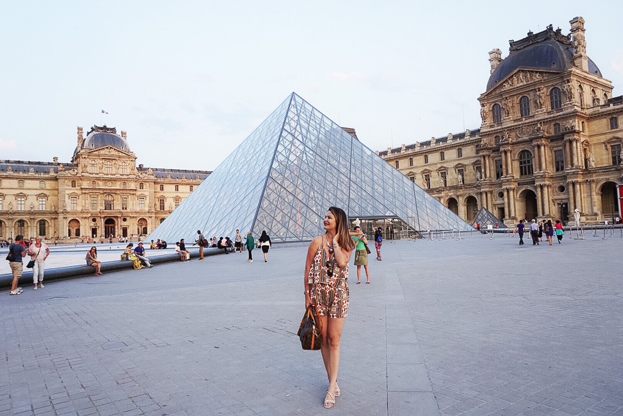 summer in paris outfit and the louver piramide
