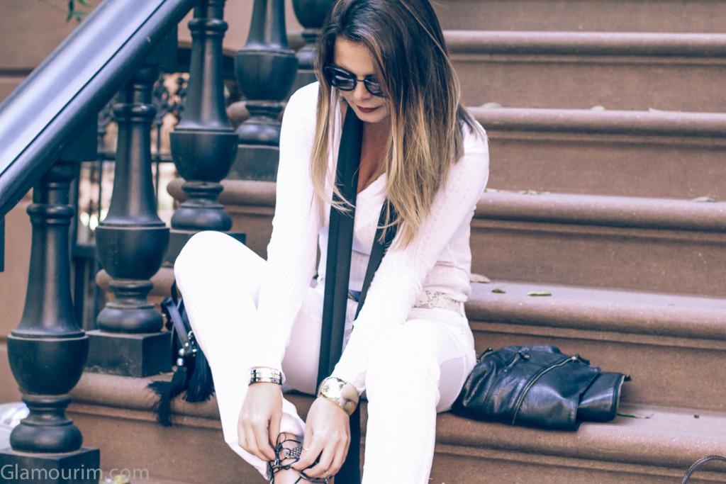 allwhite-Leatherjacket-streetstyle-60