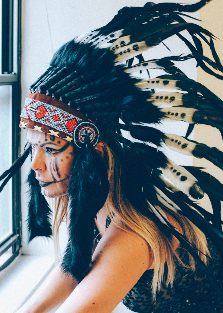 native_indian_headdress_feathers-41