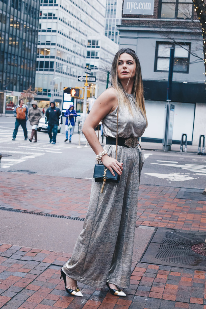 Glamourim lifestyle blogger wearingMetallic junmpsuit for new Years's eve party