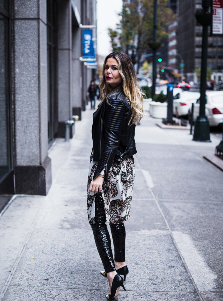 Hilma from glamourim.com how to wear sequin pants on Holiday party