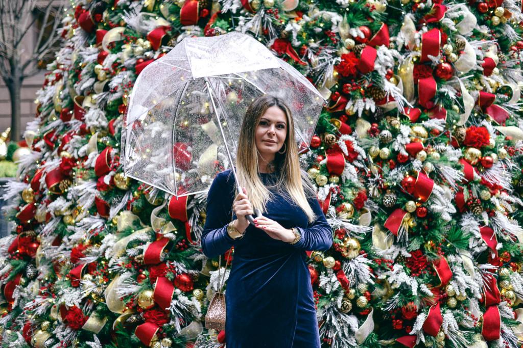 Lifestyle Hilma of glamourim wearing velvet blue dress