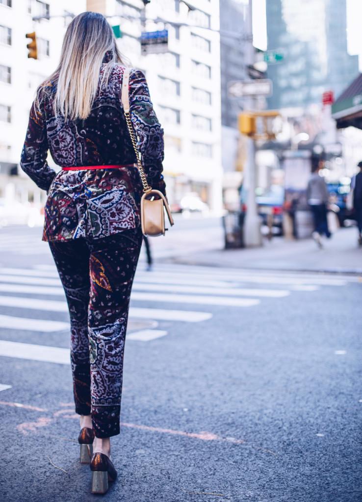 street style velvet hilma influencer from glamourim wearing velvet trend