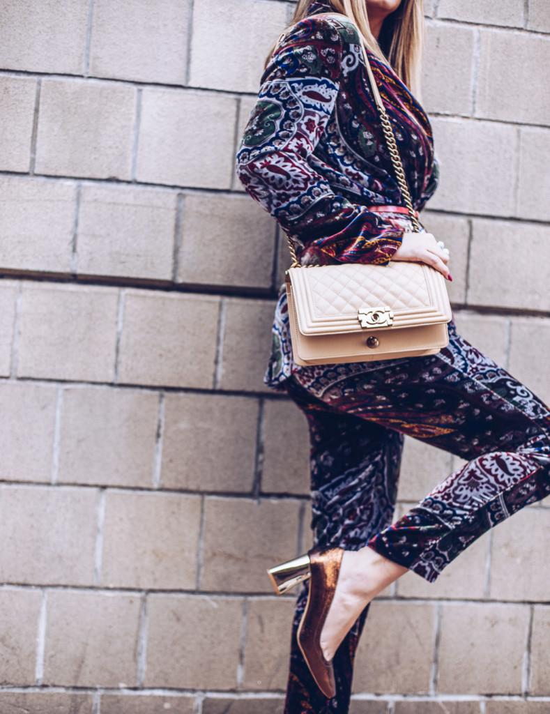 hilma influencer from glamourim wears printed velvet blazer