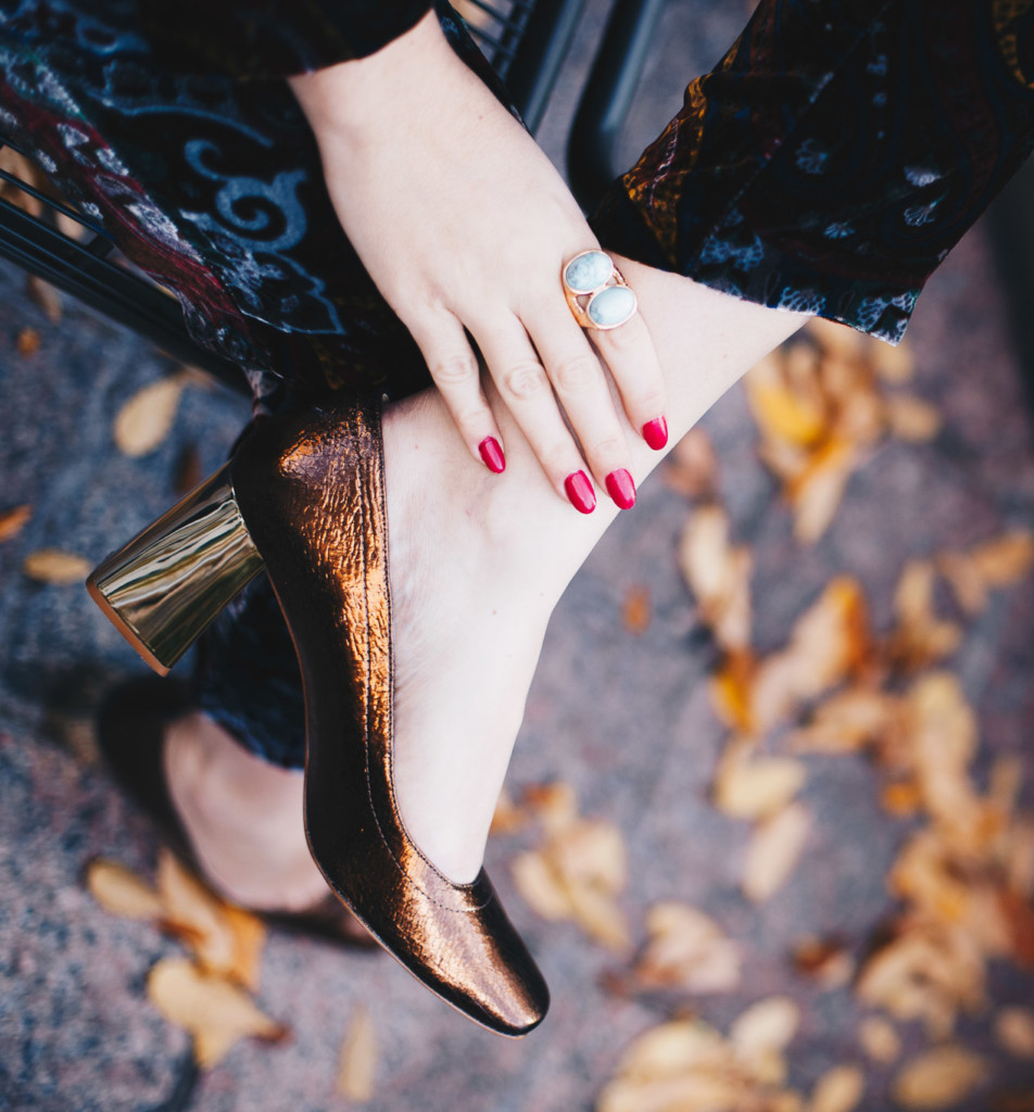 street style trend hilma glamourim.com square pointed and blck heels shoes