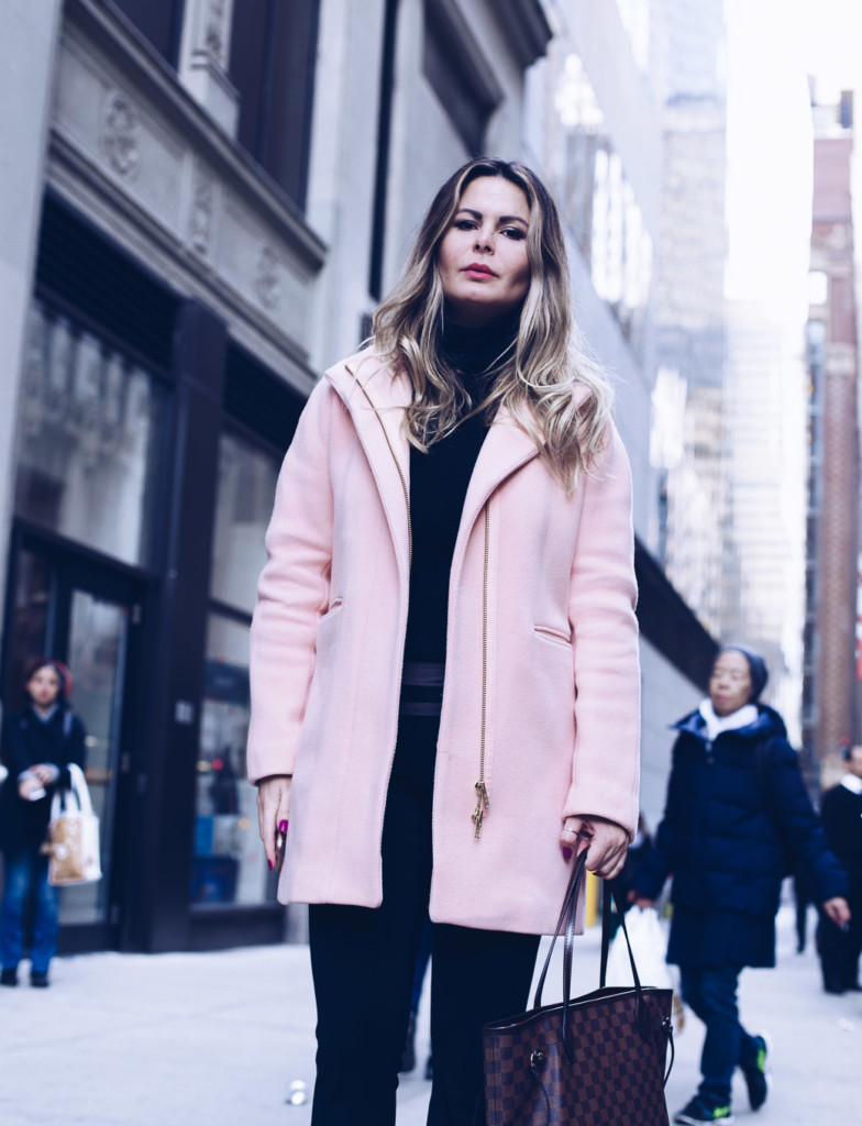 hilma lifestyle blogger wearing j crew cocoon coat in NYC