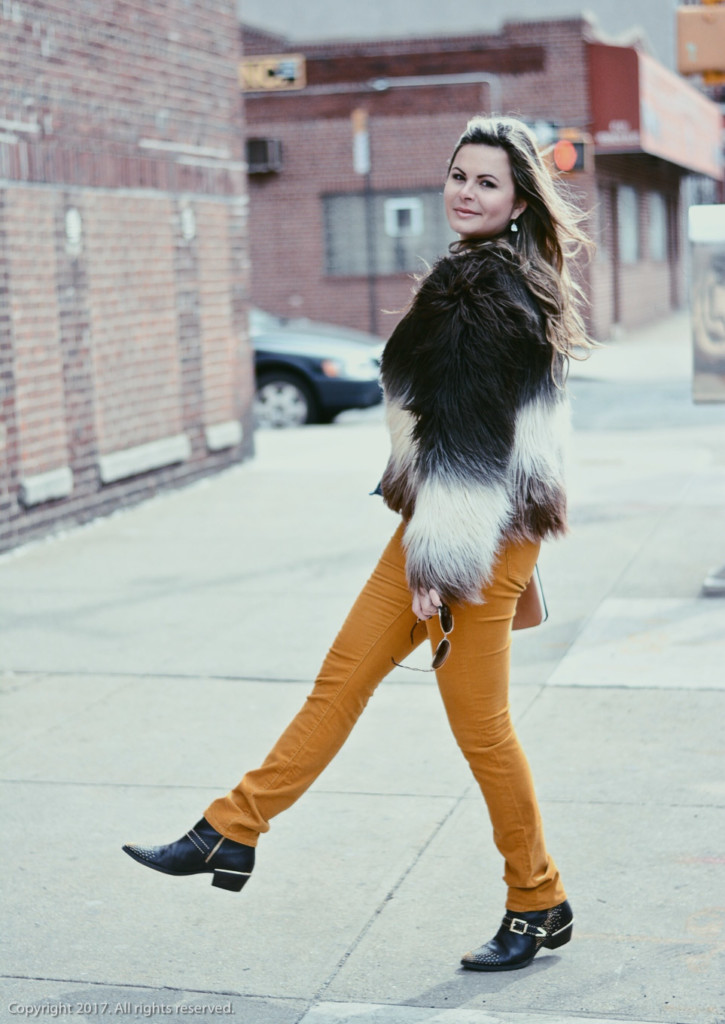street style Asos ombre faux fur jacket glamourim.com