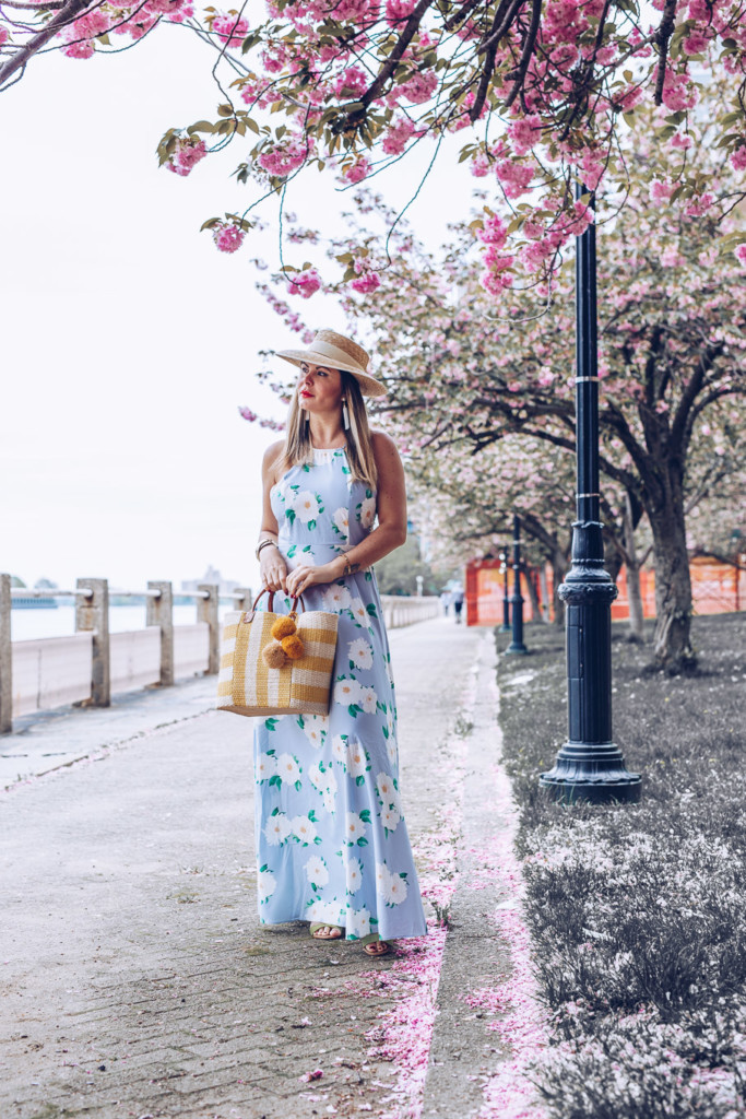 Floral romantic maxi dress by gamourim lifestyle blog
